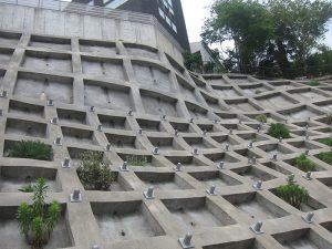 崖地の防災対策工事